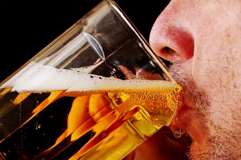 Tudományos tény: jobb szeretővé tesz a sör