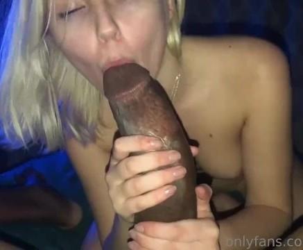 fiatalok és hatalmas pénisz)