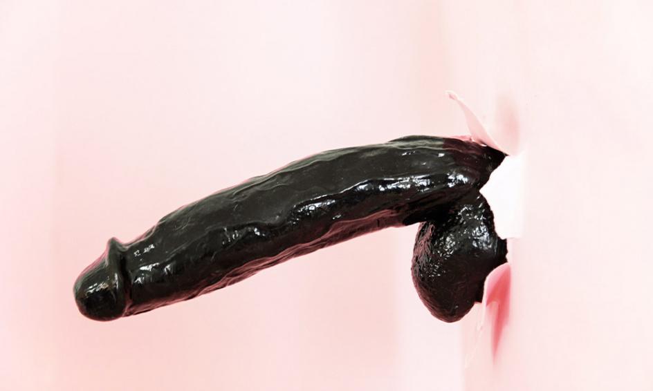 A pénisz véletlenül felált két ázsiai masszőr előtt - édeshármas