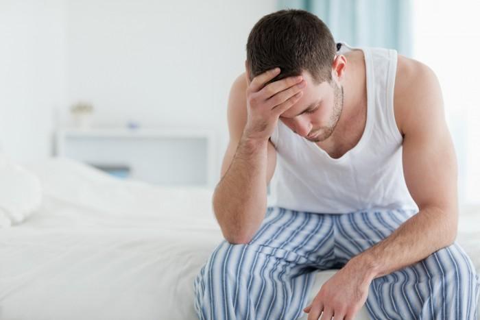 merevedési fájdalom alatt a péniszem lefelé görbül