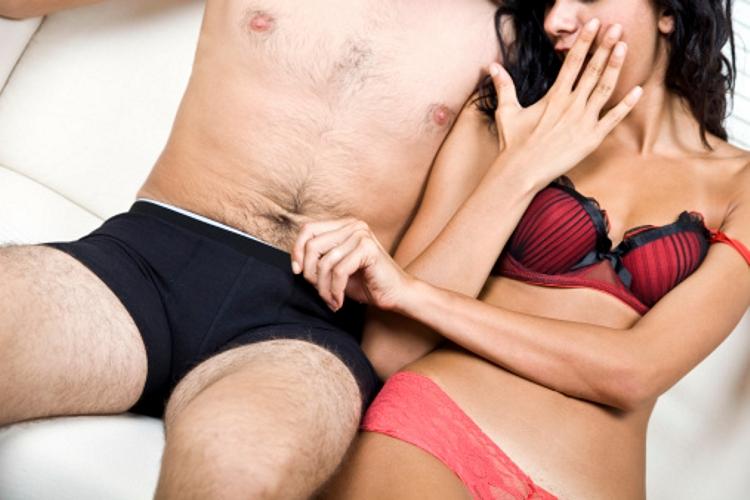 nő és két pénisz