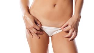 pénisz zsírredőkben