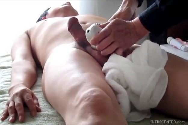pénisz alakú erekció)